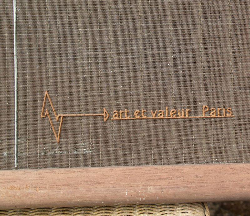 M007c art et valeur Paris at tearing wire