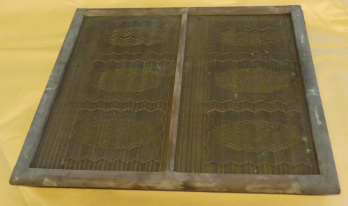 M180 Two sheet moulds with complex herring bone